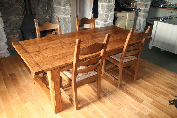 Handmade farmhouse refectory kitchen table in oak for Handmade kitchen table