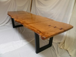 Pippy Oak Slab with Charcoal Metal Base