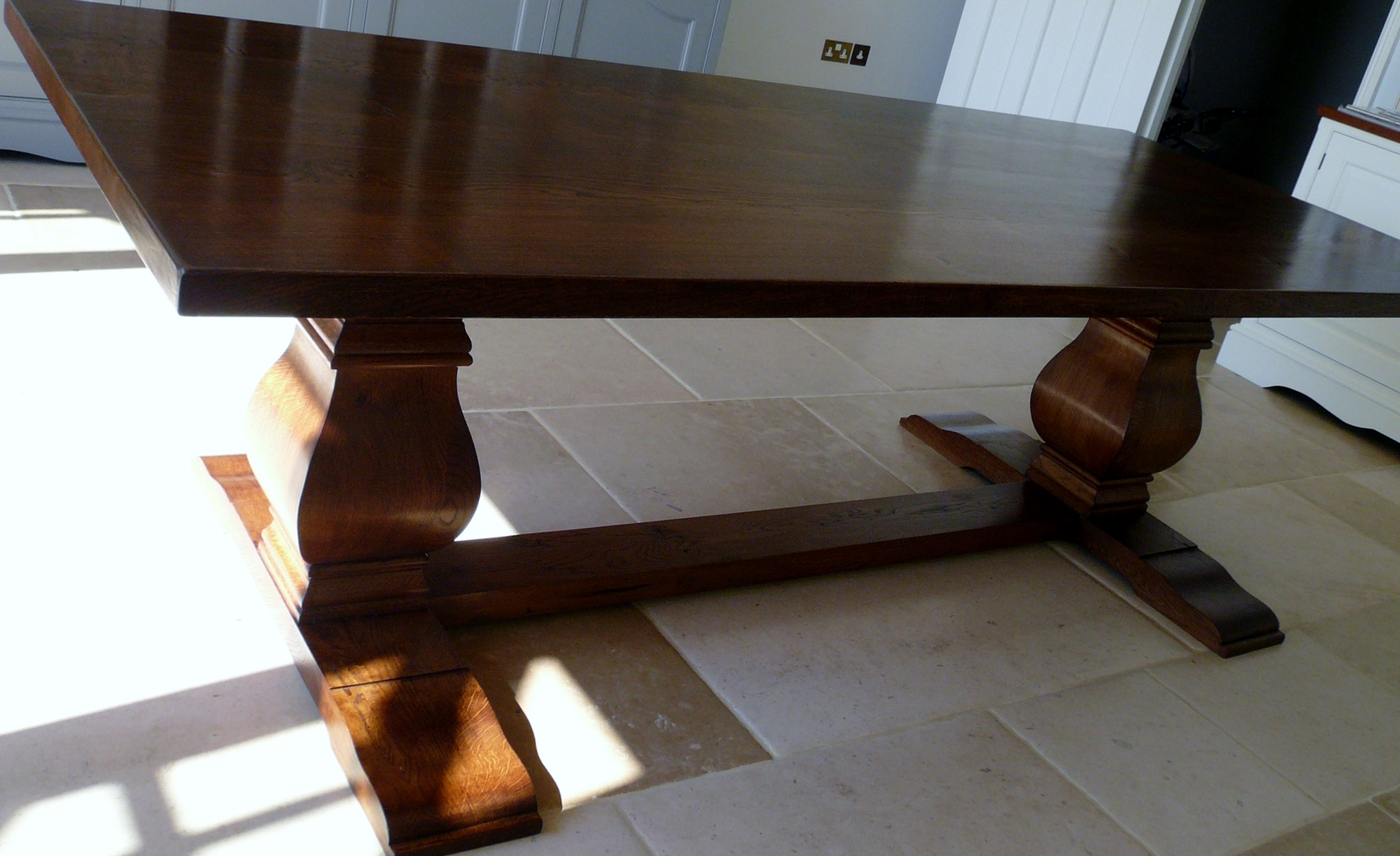Made To Order Oak Dining Table. Full resolution  photo, nominally Width 2670 Height 1634 pixels, photo with #9E622D.