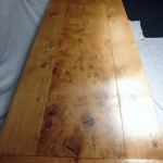 Beatiful pippy Oak table for sale